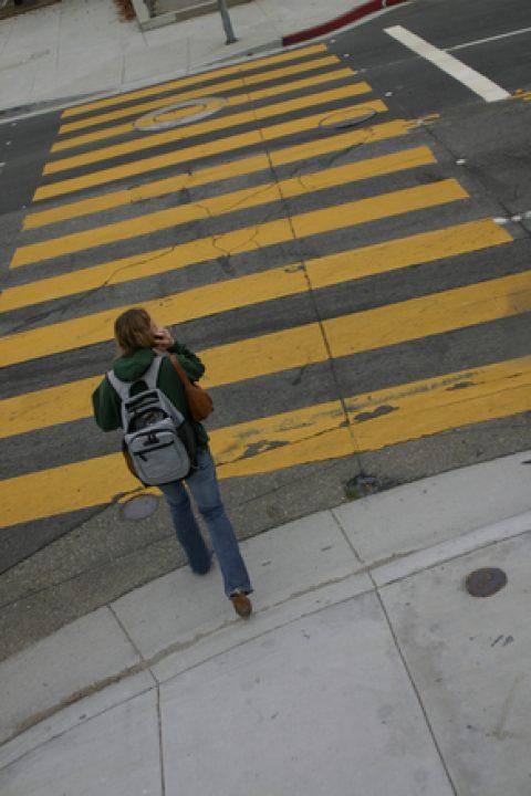 Il falso mito degli attraversamenti pedonali colorati