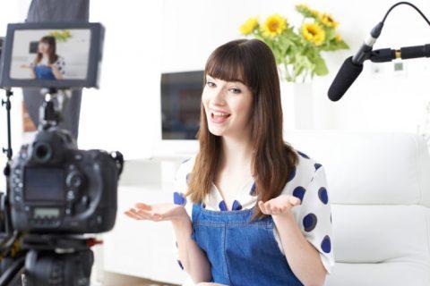 """Vlogger: la moda """"schizofrenica"""" che impazza tra gli adolescenti"""