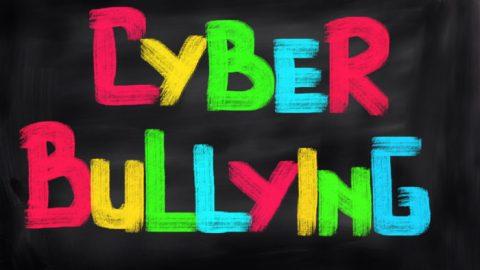 Cyberbullismo, ora è legge dello Stato