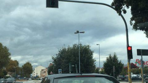 Accertamento con apparecchiatura automatica di violazioni diverse dal passaggio con il semaforo rosso