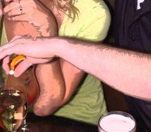 Drink spiking: alcol e droghe da stupro e la cannuccia intelligente