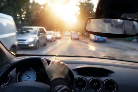 """Velocità: superare i limiti è """"Arroganza"""" stradale"""